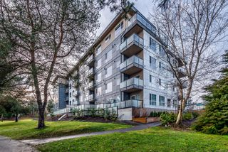 Photo 1: 404 3070 Kilpatrick Ave in : CV Courtenay City Condo for sale (Comox Valley)  : MLS®# 861783