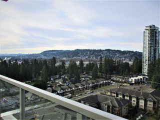 "Photo 12: 1903 3102 WINDSOR Gate in Coquitlam: New Horizons Condo for sale in ""CELADON"" : MLS®# R2527967"