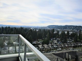 "Photo 10: 1903 3102 WINDSOR Gate in Coquitlam: New Horizons Condo for sale in ""CELADON"" : MLS®# R2527967"