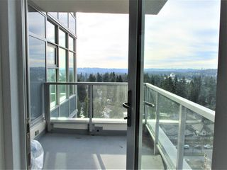 "Photo 8: 1903 3102 WINDSOR Gate in Coquitlam: New Horizons Condo for sale in ""CELADON"" : MLS®# R2527967"