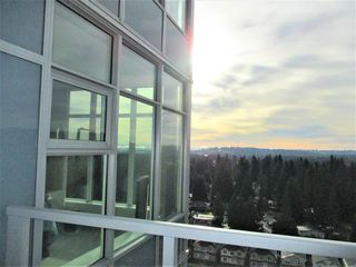 "Photo 9: 1903 3102 WINDSOR Gate in Coquitlam: New Horizons Condo for sale in ""CELADON"" : MLS®# R2527967"