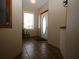 Photo 2: 126 KINGSLAND Place SE: Airdrie Residential Detached Single Family for sale : MLS®# C3519593