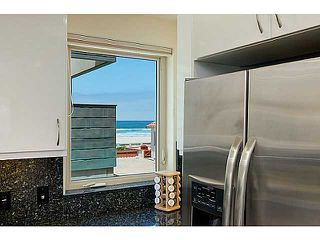 Photo 11: MISSION BEACH Condo for sale : 4 bedrooms : 720 Manhattan Court in San Diego