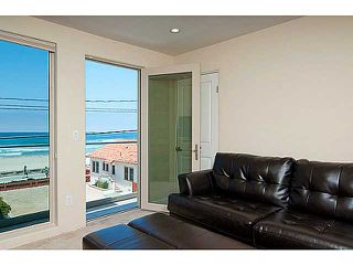 Photo 9: MISSION BEACH Condo for sale : 4 bedrooms : 720 Manhattan Court in San Diego