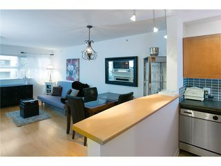 "Photo 2: 407 2181 W 12TH Avenue in Vancouver: Kitsilano Condo for sale in ""THE CARLINGS"" (Vancouver West)  : MLS®# V987441"