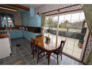 Photo 11: 723 Oliver Street in VICTORIA: OB South Oak Bay Single Family Detached for sale (Oak Bay)  : MLS®# 321026