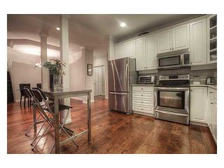 """Photo 8: 315 3280 PLATEAU Boulevard in Coquitlam: Westwood Plateau Condo for sale in """"THE CAMELBACK"""" : MLS®# V1010911"""
