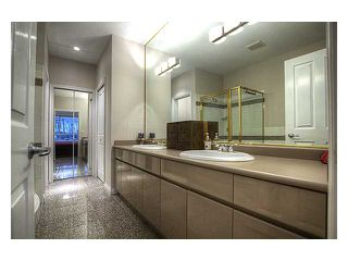 """Photo 13: 315 3280 PLATEAU Boulevard in Coquitlam: Westwood Plateau Condo for sale in """"THE CAMELBACK"""" : MLS®# V1010911"""