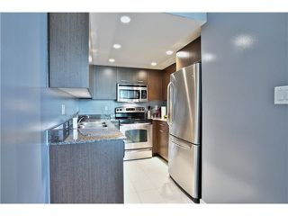 """Photo 10: 307 1212 HOWE Street in Vancouver: Downtown VW Condo for sale in """"1212 HOWE - MIDTOWN"""" (Vancouver West)  : MLS®# V1078871"""