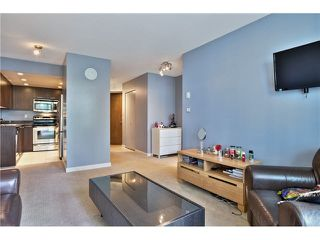 """Photo 5: 307 1212 HOWE Street in Vancouver: Downtown VW Condo for sale in """"1212 HOWE - MIDTOWN"""" (Vancouver West)  : MLS®# V1078871"""