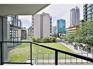 """Photo 16: 307 1212 HOWE Street in Vancouver: Downtown VW Condo for sale in """"1212 HOWE - MIDTOWN"""" (Vancouver West)  : MLS®# V1078871"""