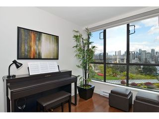 Photo 9: # 501 1470 PENNYFARTHING DR in Vancouver: False Creek Condo for sale (Vancouver West)  : MLS®# V1117052