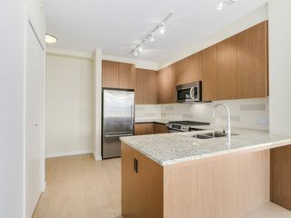 Photo 4: # 109 135 W 2ND ST in North Vancouver: Lower Lonsdale Condo for sale : MLS®# V1114739
