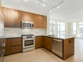 Photo 2: # 109 135 W 2ND ST in North Vancouver: Lower Lonsdale Condo for sale : MLS®# V1114739