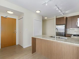 Photo 3: # 109 135 W 2ND ST in North Vancouver: Lower Lonsdale Condo for sale : MLS®# V1114739