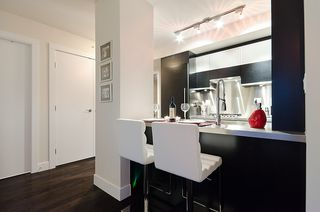 Photo 7: 535 Smithe in Vancouver: Condo for lease