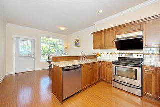 Photo 9: 5 13393 BARKER Street in Surrey: Queen Mary Park Surrey Townhouse for sale : MLS®# R2396181