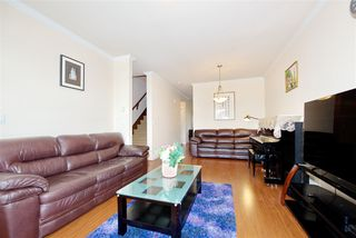 Photo 6: 5 13393 BARKER Street in Surrey: Queen Mary Park Surrey Townhouse for sale : MLS®# R2396181