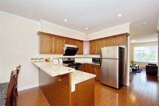 Photo 8: 5 13393 BARKER Street in Surrey: Queen Mary Park Surrey Townhouse for sale : MLS®# R2396181