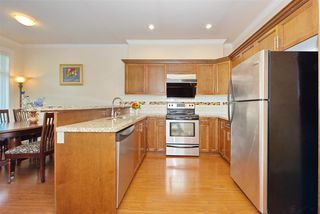 Photo 7: 5 13393 BARKER Street in Surrey: Queen Mary Park Surrey Townhouse for sale : MLS®# R2396181