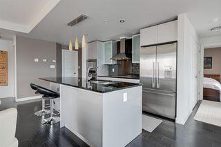 Photo 7: 1602 10388 105 Street in Edmonton: Zone 12 Condo for sale : MLS®# E4175189