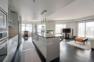 Photo 9: 1602 10388 105 Street in Edmonton: Zone 12 Condo for sale : MLS®# E4175189