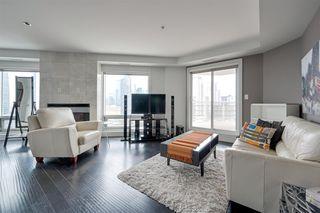 Photo 3: 1602 10388 105 Street in Edmonton: Zone 12 Condo for sale : MLS®# E4175189