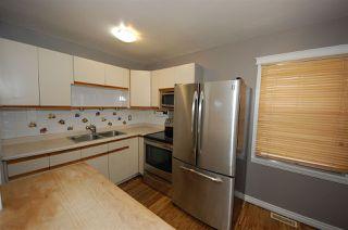 Photo 4: 9841 73 Avenue in Edmonton: Zone 17 House for sale : MLS®# E4194146