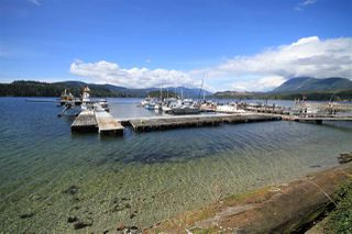 Photo 1: 5977 SECHELT INLET Road in Sechelt: Sechelt District House for sale (Sunshine Coast)  : MLS®# R2452641