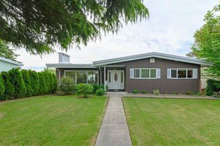 Main Photo: 32 E TENTH Avenue in New Westminster: The Heights NW House for sale : MLS®# R2461287