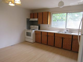 Photo 3: 10001 98 Avenue in Morinville: House Duplex for rent