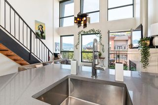 """Photo 5: 512 1 E CORDOVA Street in Vancouver: Downtown VE Condo for sale in """"CARRALL ST STATION"""" (Vancouver East)  : MLS®# R2476960"""