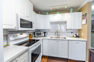 "Photo 20: 907 612 SIXTH Street in New Westminster: Uptown NW Condo for sale in ""The Woodward"" : MLS®# R2505938"