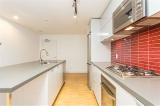 """Photo 16: 2002 108 W CORDOVA Street in Vancouver: Downtown VW Condo for sale in """"Woodwards"""" (Vancouver West)  : MLS®# R2525607"""