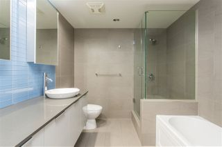"""Photo 17: 2002 108 W CORDOVA Street in Vancouver: Downtown VW Condo for sale in """"Woodwards"""" (Vancouver West)  : MLS®# R2525607"""