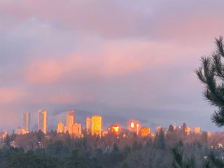Photo 2: 2439 EDDINGTON Drive in Vancouver: Quilchena House for sale (Vancouver West)  : MLS®# R2527640
