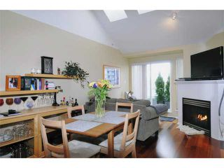 "Photo 3: 404 3939 HASTINGS Street in Burnaby: Vancouver Heights Condo for sale in ""SIENNA"" (Burnaby North)  : MLS®# V937672"