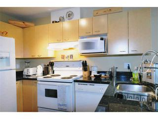 "Photo 4: 404 3939 HASTINGS Street in Burnaby: Vancouver Heights Condo for sale in ""SIENNA"" (Burnaby North)  : MLS®# V937672"
