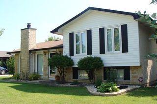 Photo 2: 11 GARDENIA BAY: Residential for sale (Maples)  : MLS®# 2914558