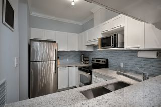 """Photo 5: 119 511 W 7TH Avenue in Vancouver: Fairview VW Condo for sale in """"BEVERLY GARDENS"""" (Vancouver West)  : MLS®# V949157"""