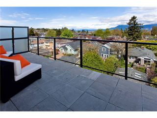 "Photo 10: 401 4355 W 10TH Avenue in Vancouver: Point Grey Condo for sale in ""IRON & WHYTE"" (Vancouver West)  : MLS®# V964351"