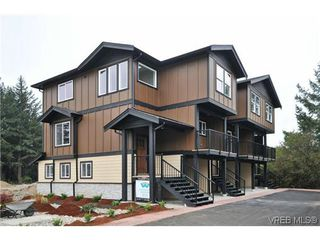 Photo 2: 105 982 Rattanwood Pl in VICTORIA: La Happy Valley Row/Townhouse for sale (Langford)  : MLS®# 625869