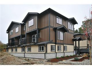 Photo 3: 105 982 Rattanwood Pl in VICTORIA: La Happy Valley Row/Townhouse for sale (Langford)  : MLS®# 625869