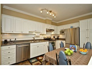 """Photo 6: 57 21579 88B Avenue in Langley: Walnut Grove Townhouse for sale in """"CARRIAGE PARK"""" : MLS®# F1228579"""