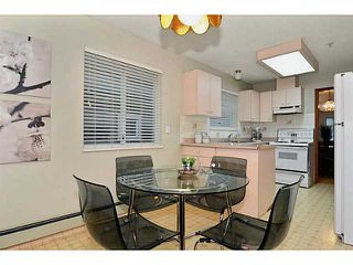 """Photo 4: 35 W 15TH Avenue in Vancouver: Mount Pleasant VW House Duplex for sale in """"MOUNT PLEASANT WEST"""" (Vancouver West)  : MLS®# V996233"""