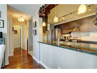 Photo 3: # 1105 1077 MARINASIDE CR in Vancouver: Yaletown Condo for sale (Vancouver West)  : MLS®# V1007322