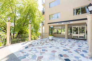 """Photo 18: 104 1930 MARINE Drive in West Vancouver: Ambleside Condo for sale in """"Park Marine"""" : MLS®# R2391116"""