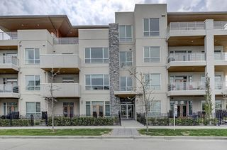 Photo 2: 202 11 BURMA STAR Road SW in Calgary: Currie Barracks Apartment for sale : MLS®# C4270968