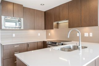 Photo 9: 1701 125 COLUMBIA Street in New Westminster: Downtown NW Condo for sale : MLS®# R2456392