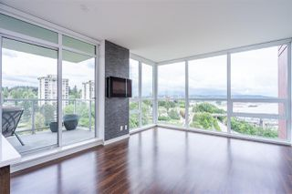 Photo 1: 1701 125 COLUMBIA Street in New Westminster: Downtown NW Condo for sale : MLS®# R2456392